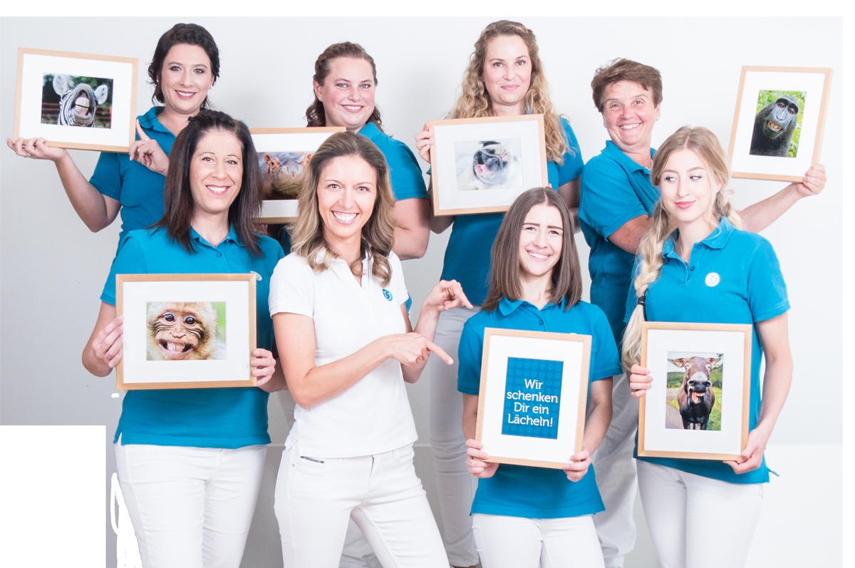 Bild Praxisteam Kieferorthopädie Dr. Theresa Jilek Wolfratshausen: Wir schenken Ihnen ein Lächeln