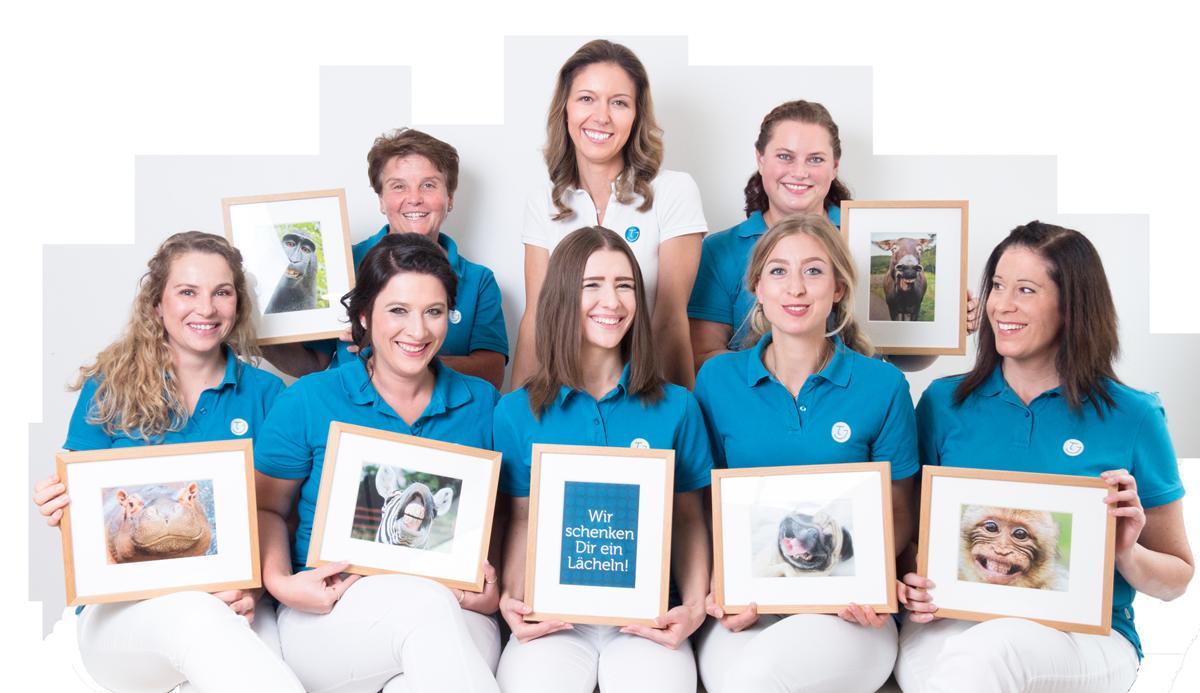 Praxisteam Kieferorthopädie Dr. Theresa Jilek Wolfratshausen: Wir schenken Dir ein Lächeln